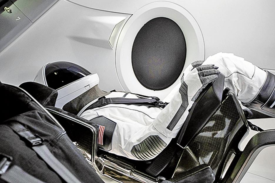 pSpaceX的龍飛船(Crew Dragon)預計5月7日將進行首次載人發射測試任務,可以運載4到7名太空人。(SpaceX)
