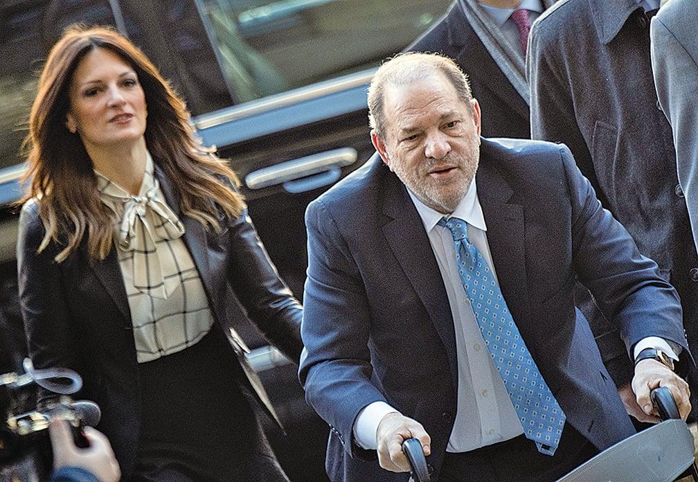 2月24日,荷里活電影大亨溫斯坦(Harvey Weinstein)到達曼哈頓刑事法庭。(AFP)