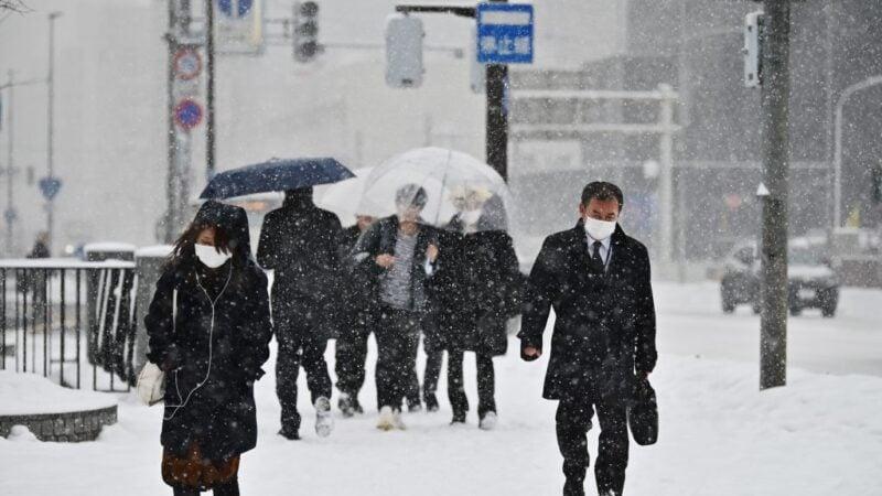 防疫情擴大 北海道1600所中小學停課 議會停會12天