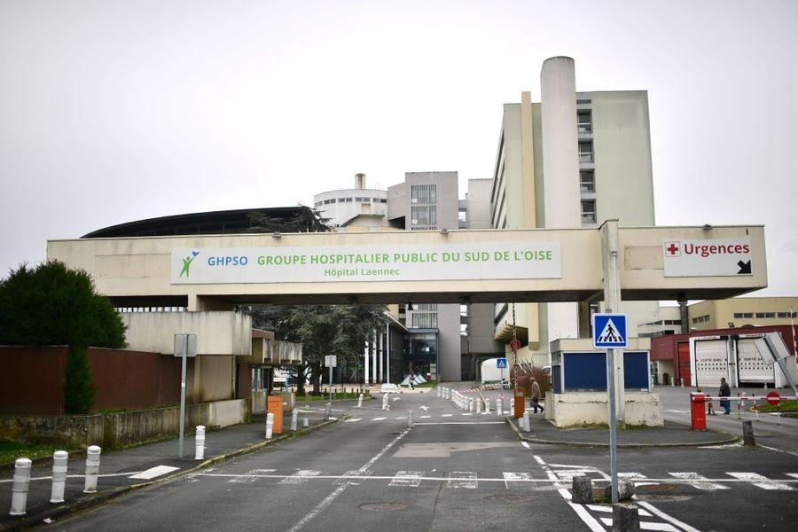 法國中共病毒疾病確診人數達到100人,其中2人喪生、9人情況危急,人數驟增與巴黎以北的瓦茲省(Oise)群聚感染有關。圖為,2020年2月28日巴黎東北部Creil醫院,一名已住院6天的60歲教師死於感染中共肺炎。(MARTIN BUREAU/AFP via Getty Images)