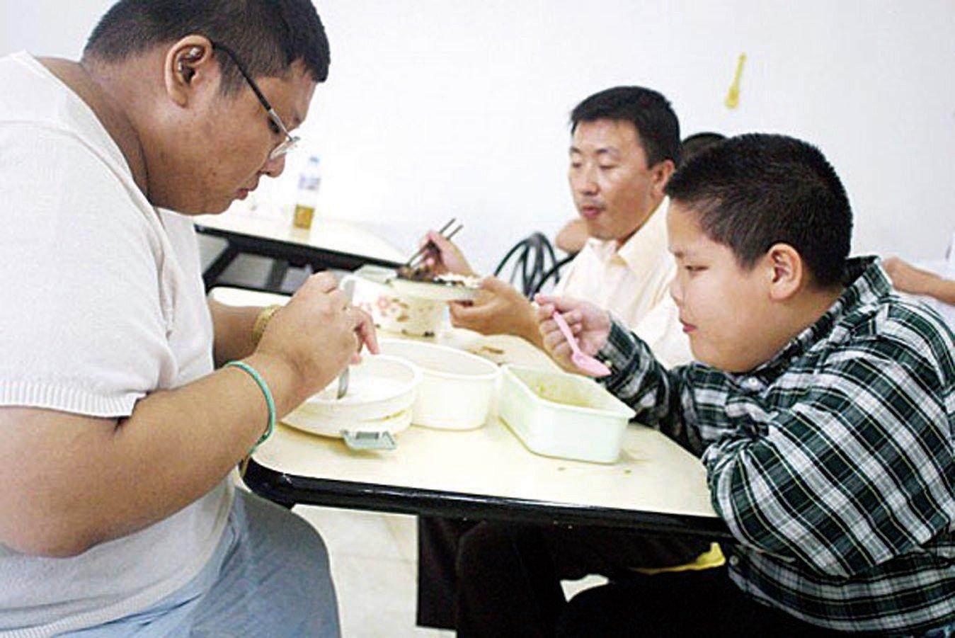 研究顯示飲食是導致肥胖的主要原因。(Getty Images)