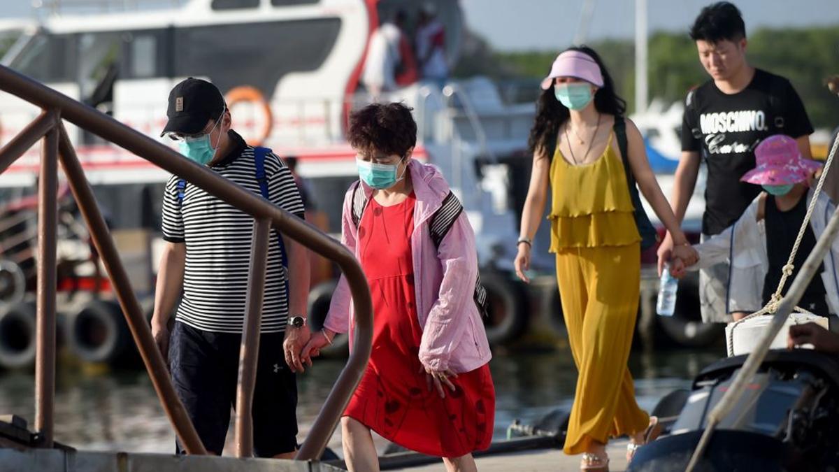 中共肺炎疫情爆發,大量中國遊客滯留印尼峇里島拒絕回國。(SONNY TUMBELAKA/AFP via Getty Images)