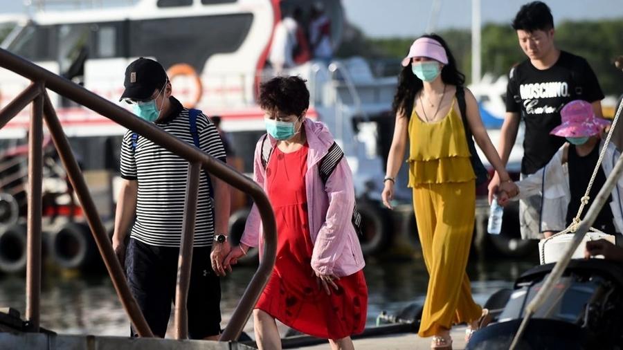 不信中共控制肺炎疫情 華人遊客留巴厘島拒乘包機回國