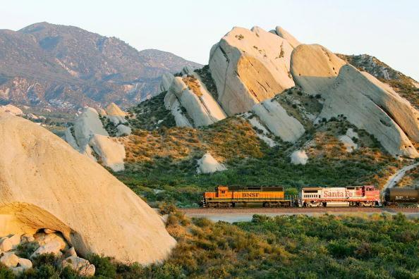 洛杉磯和長灘港口之間的景觀,位於聖安德列斯斷層帶上。(Getty Images)