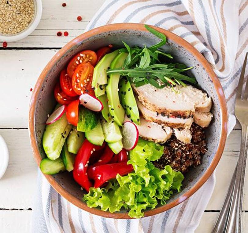 雞胸肉生菜沙律。