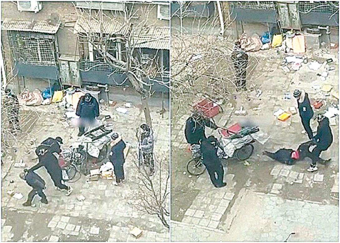 日前,天津紅橋區一名老人到屋苑拾荒時,被物業保安毆打、多次摔倒在地,引起網民公憤。(影片截圖)