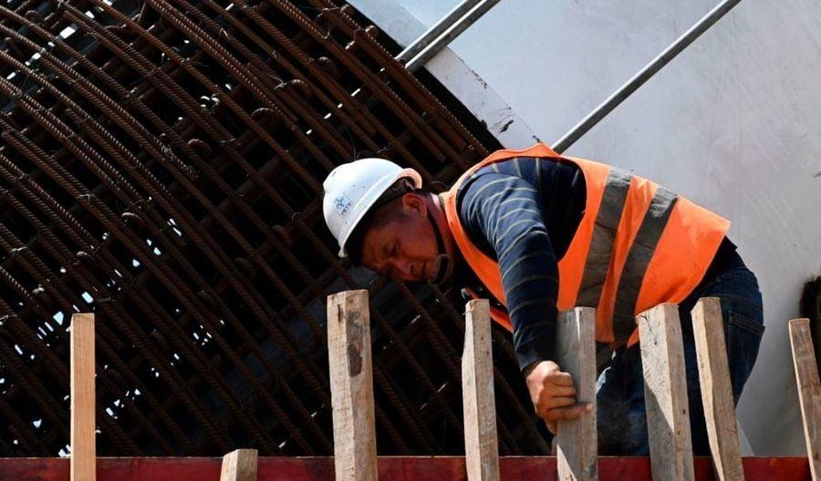 中共狂推25萬億基建刺激經濟 中國專家:緣木求魚