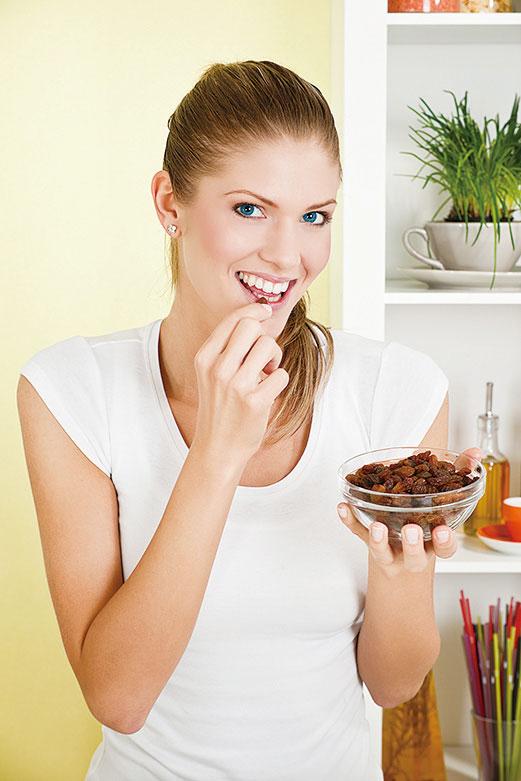 吃水果乾要注意份量。