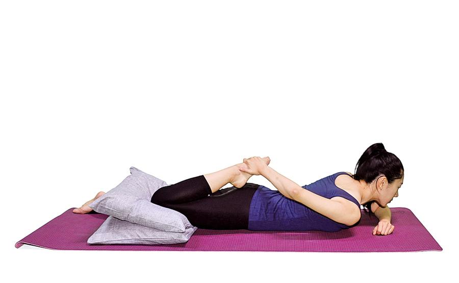 睡前膝關節運動 預防僵硬老化