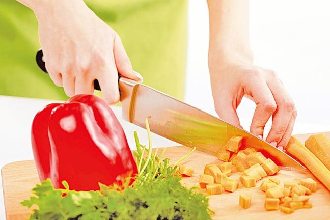 將需要清洗、剝殼或者切塊的食材先處理好,就能節省烹調時間。