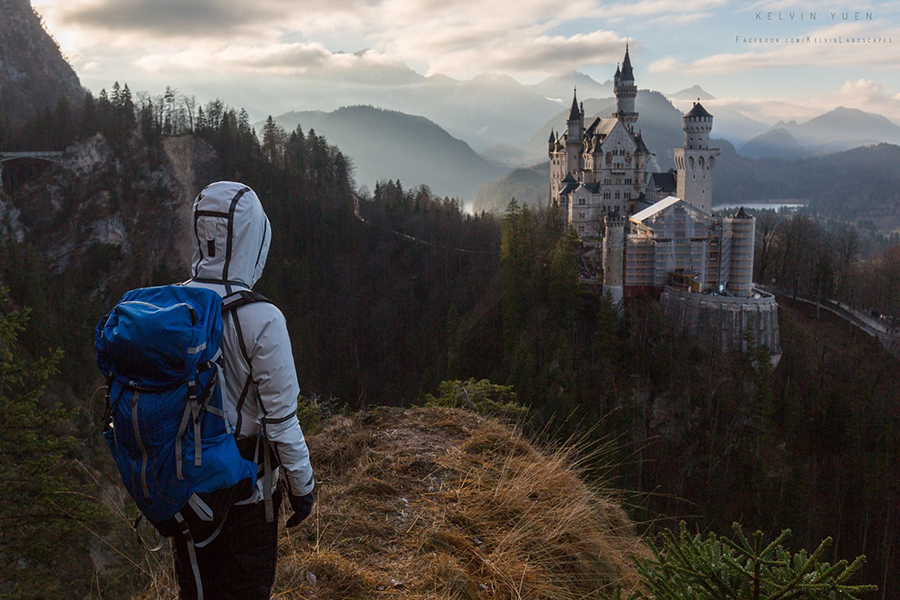 Kelvin終於登上了城堡對面的懸崖,可惜當時新天鵝堡正值維修,未能拍到理想的相片,於是他夢想再次前往。(受訪者提供)