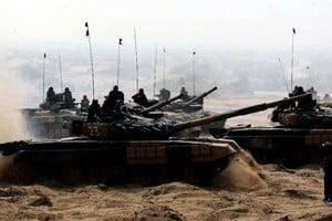 南海仲裁後 印度在中印邊界部署百輛坦克
