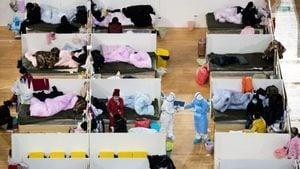 中共官方公布確診病例下降  當局稱武漢多家方艙醫院休艙