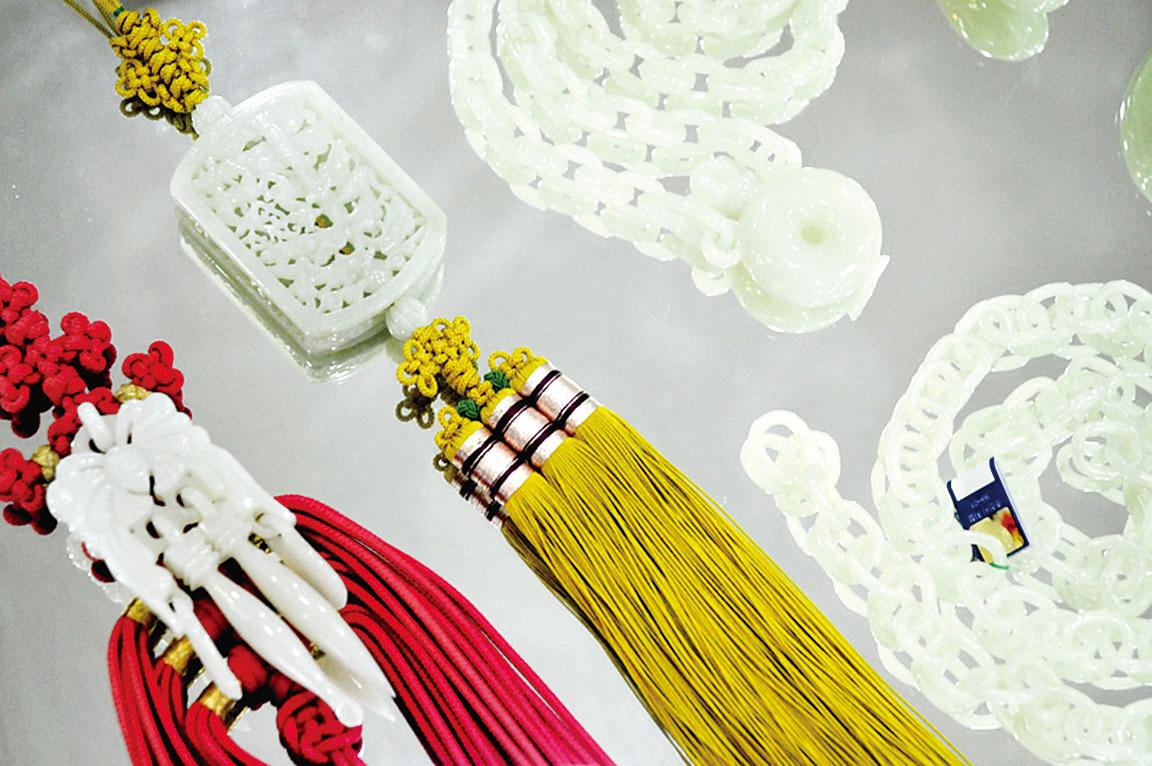 韓國江原道玉山家販賣部的白玉飾品(孫明國/大紀元)