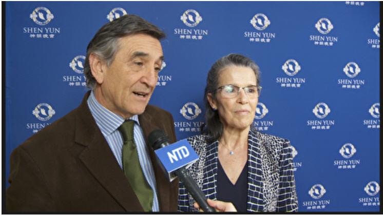 2020年3月11日晚,哥倫比亞大學帕克外國與比較法學院的法學客座教授、高級研究學者Alejandro M. Garro與太太在紐約林肯中心觀賞神韻。(新唐人電視台)