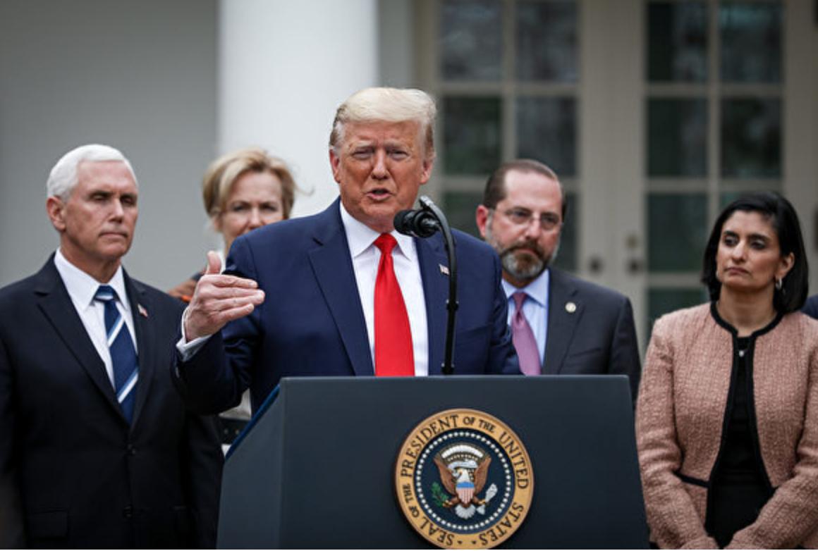 2020年3月13日下午,美國總統特朗普在白宮玫瑰園召開新聞發佈會,通報新型冠狀病毒疫情在美國的最新進展,宣佈國家緊急狀態,撥款500億美元抗疫。(Charlotte Cuthbertson/大紀元)
