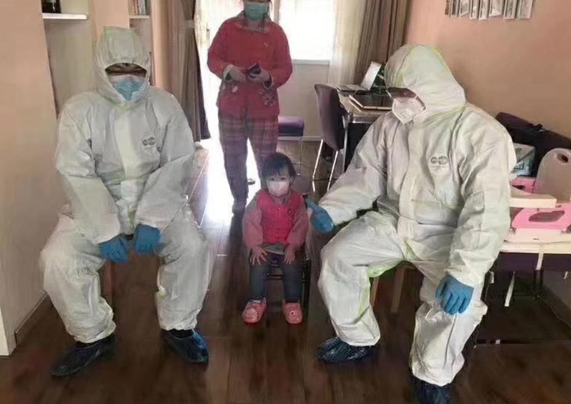 習近平訪問,武漢民眾被警察進駐家中。(網絡圖片)