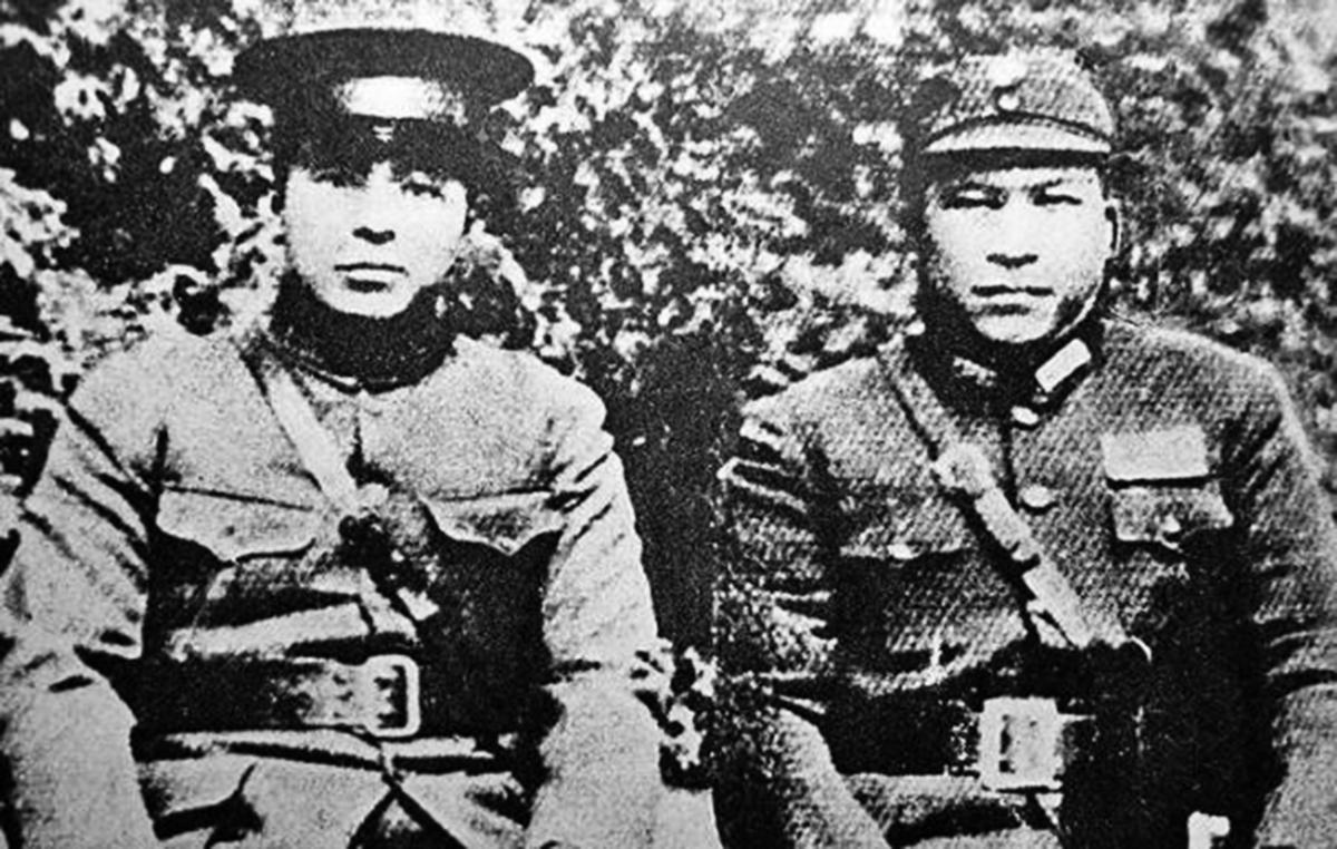 策劃西安事變,改變了中國現代史的張學良(左)及楊虎城(右)。(網絡圖片)