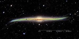 銀河系扭曲的邊緣或是與星系碰撞所致