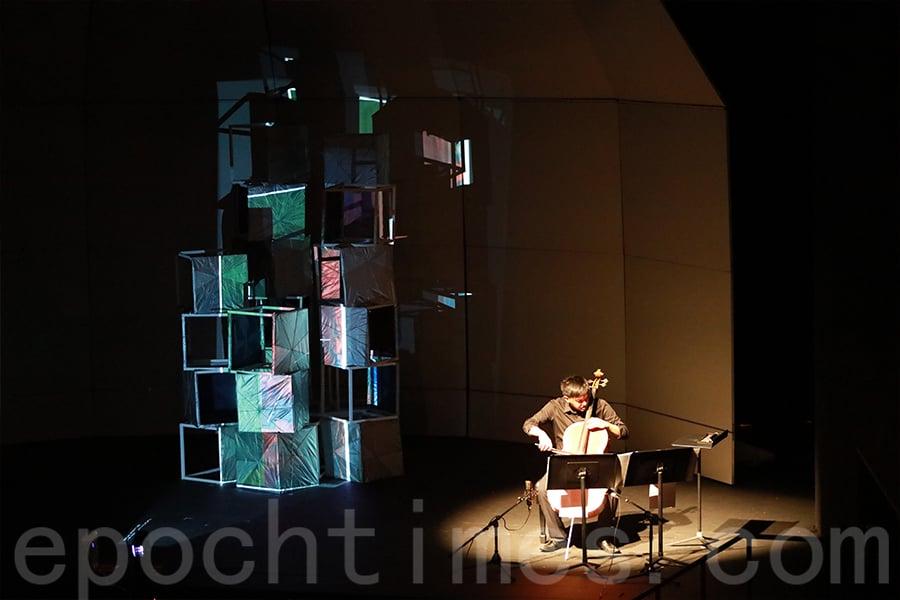 黃家立首次在港舉辦的個人大提琴獨奏會,用音樂記錄時代。(陳仲明/大紀元)