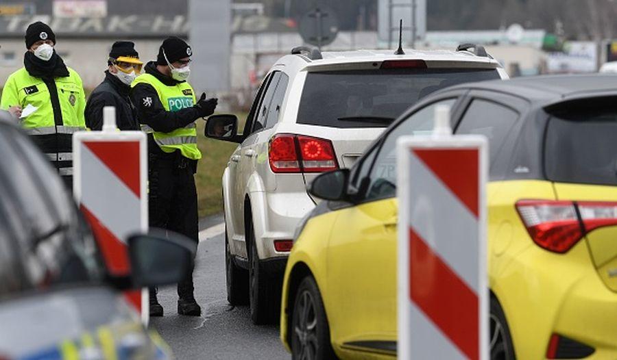為了抑制中共肺炎的傳播,捷克從周日開始已經封閉了與德國的邊境。德國方面宣佈,從3月16日開始,關閉與法國、奧地利、瑞士的邊界。(CHRISTOF STACHE/AFP via Getty Images)
