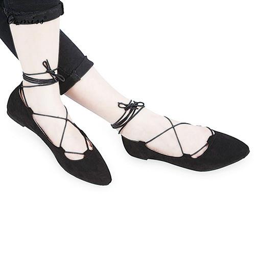 在夏季,對年輕的女性,芭蕾舞鞋與長裙是絕配。(網絡圖片)