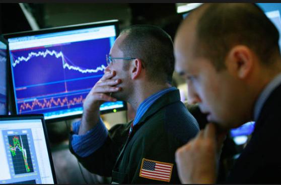 歷史上,紐約。2009年3月2日,股市1997年後第一次跌破 7,000。 (Mario Tama/Getty Images)