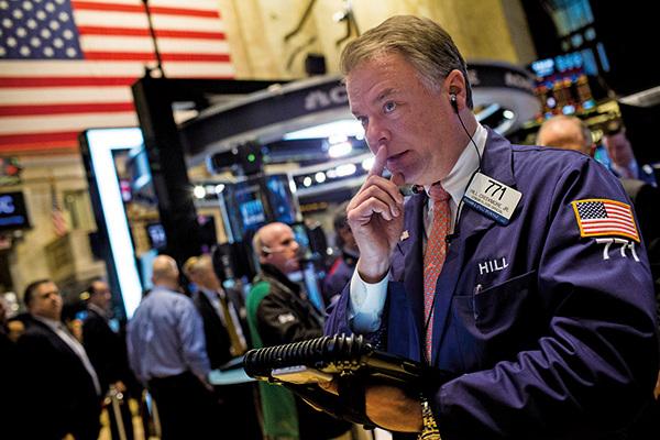 武漢肺炎疫情蔓延之際,投資人恐慌拋售股票,道指3月16日暴跌2997點,VIX恐慌指數飆漲到史上次高的83.56。本圖為示意圖。(大紀元資料室)