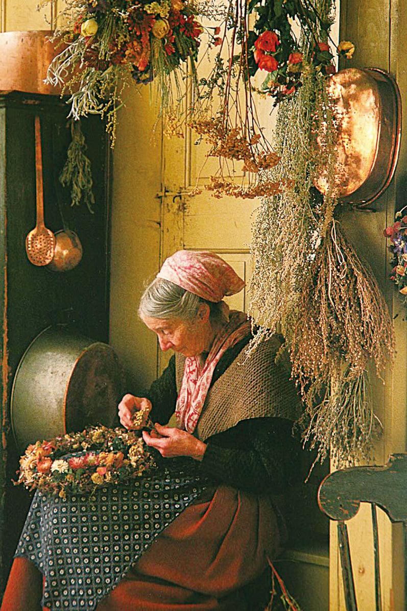 塔莎杜朵用鮮花製作花環。(網絡圖片)