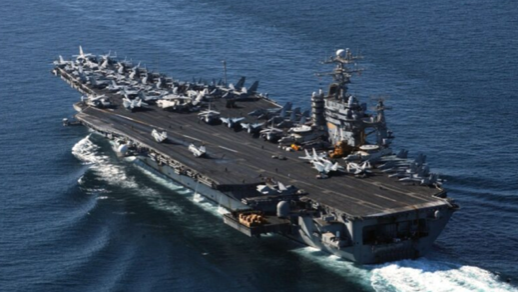 中共台海挑釁。專家:共軍狂言妄語有目的,不需理會。圖為美国海军「罗斯福号」航空母舰(USS Theodore Roosevelt)。(US Navy/Getty Images)