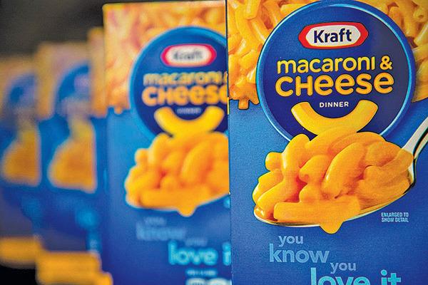 近期卡夫亨氏芝士通心粉、熟肉等包裝產品需求大增。(Getty Images)