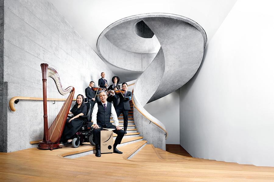 香港共融樂團是香港首隊由傷健(殘疾)及健全音樂藝術家組成的管弦樂團,推動殘疾人士發展音樂潛能。(受訪者提供)