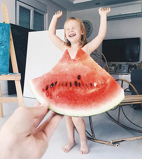 (下五圖)媽媽也利用視覺效果為女兒拍攝趣稚照片。