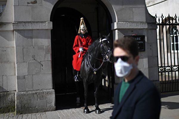 英國首相約翰遜在當地時間23日晚上8點半發表全國講話,要求全國封閉三週,他要求民眾待在家中,否則將面臨罰款。(pexels)