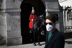 英國首相下封國令 禁止全部社交除了葬禮