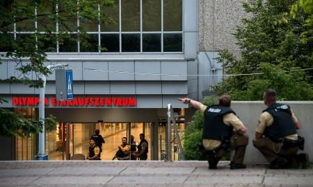 購物中心外的警察。(Joerg Koch/Getty Images)