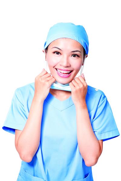 長時間戴口罩臉部滋生細菌 解決肌膚問題  提供保養 5 對策