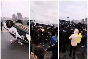 江西與湖北警方在地界發生混戰 警車被掀翻