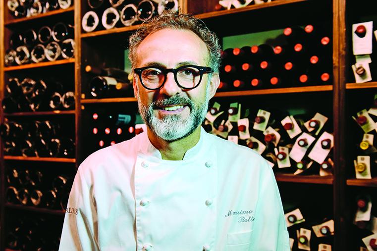 意大利名廚馬西默博圖拉(Massimo Bottura)曾設計了「黑胡椒芝士燉飯」,以解救地震後的巴馬臣芝士產業。