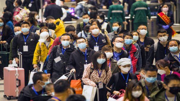 陸媒說,「很多人看到42開頭的身份證,嚇都嚇死了。」示意圖(STR/AFP via Getty Images)