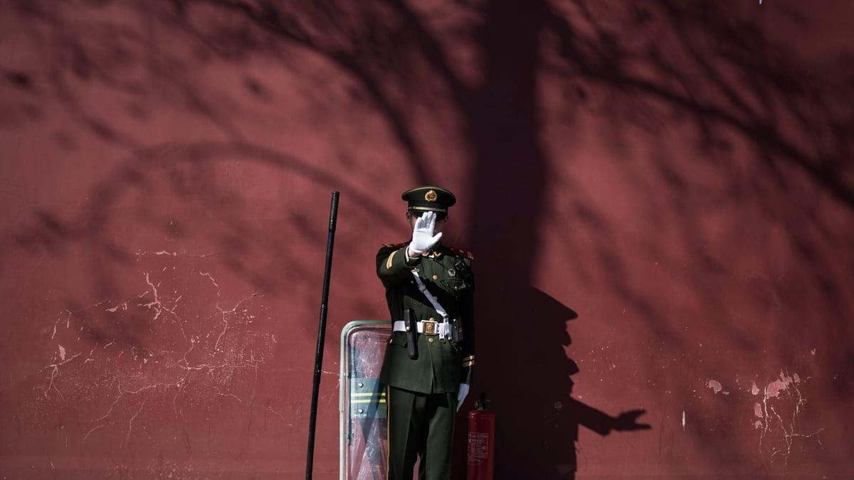 中共原湖北省軍區副司令員戴克明將軍之子戴方明,因感染中共病毒去世。示意圖(FRED DUFOUR/AFP via Getty Images)