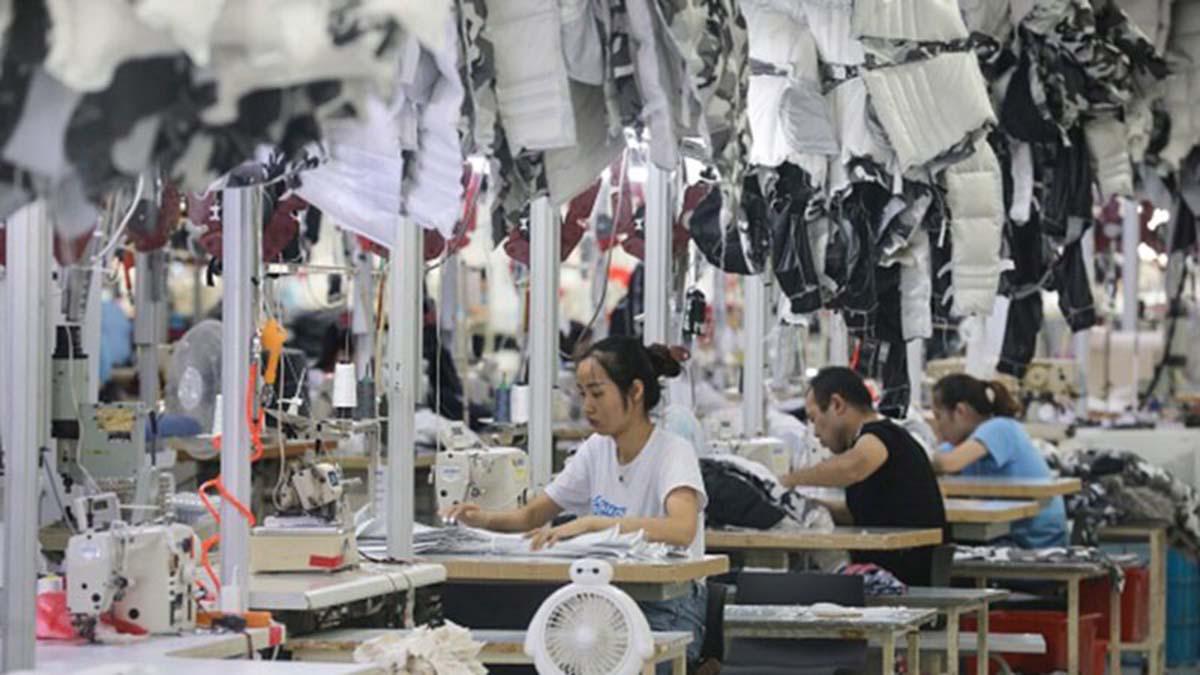 數據顯示,2020年1至2月,中國有24.7萬家企業倒閉。(STR/AFP via Getty Images)