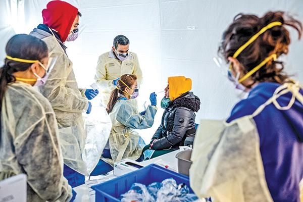 疫情開始衝擊全美醫院系統