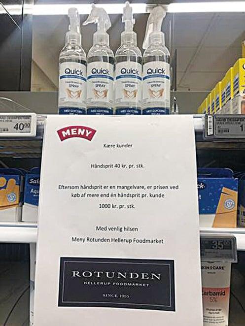 為了杜絕民眾囤積物資,如在超市購買兩瓶洗手液,每瓶價格升高25倍。(網上圖片)