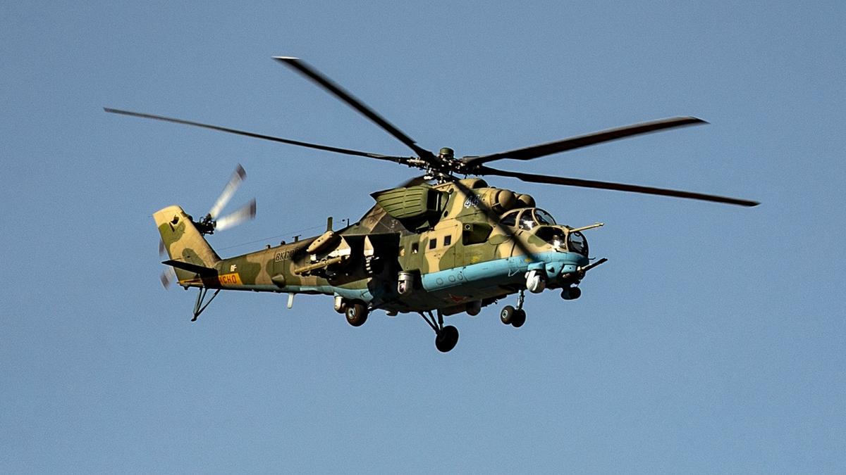 中共駐港部隊證實,駐軍一架直升機在大欖郊野公園一帶失事。示意圖(SOULEIMAN/AFP via Getty Images)