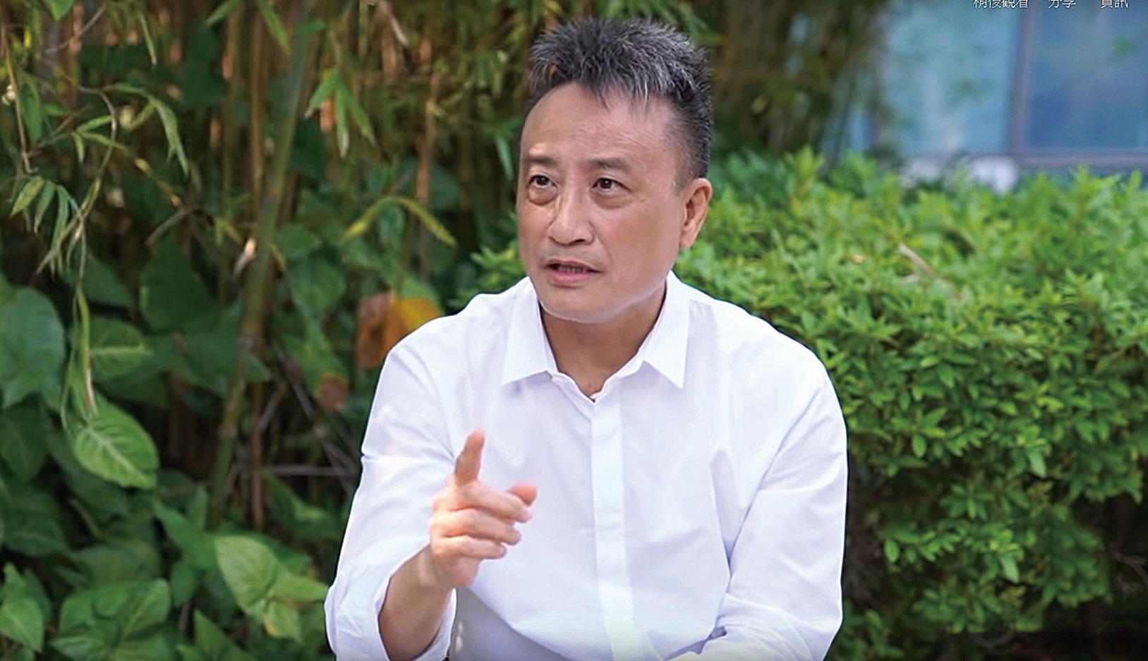香港資深銀行家、時事評論員吳明德教授。(大紀元)