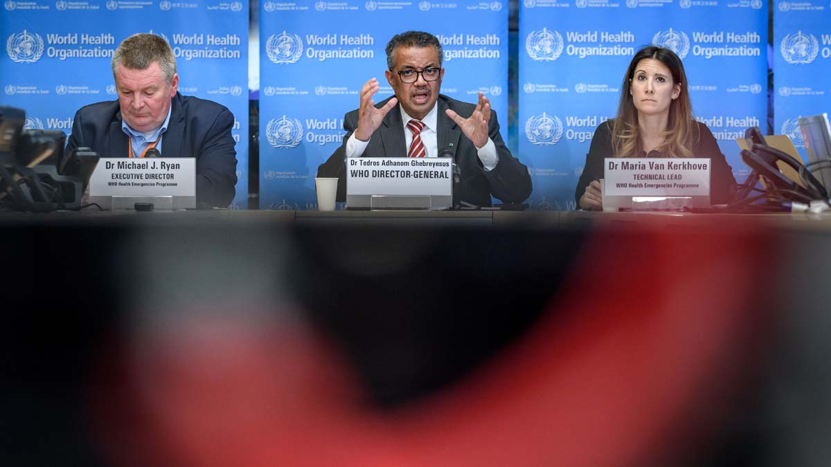 圖為世衛組織總幹事譚德塞(Tedros Adhanom Ghebreyesus)(中)。(FABRICE COFFRINI/AFP via Getty Images)