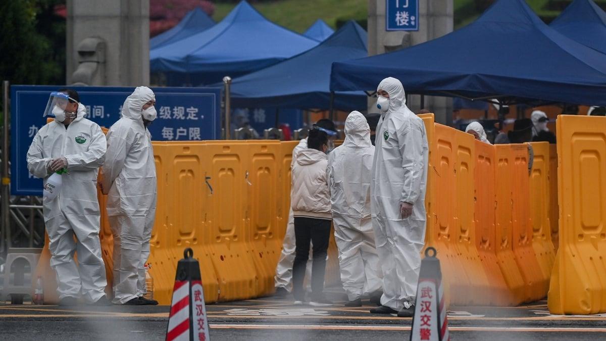 中共病毒疫情在全球爆發,外界普遍質疑中共疫情數據造假,其宣傳是為掩蓋真相。示意圖(HECTOR RETAMAL/AFP via Getty Images)