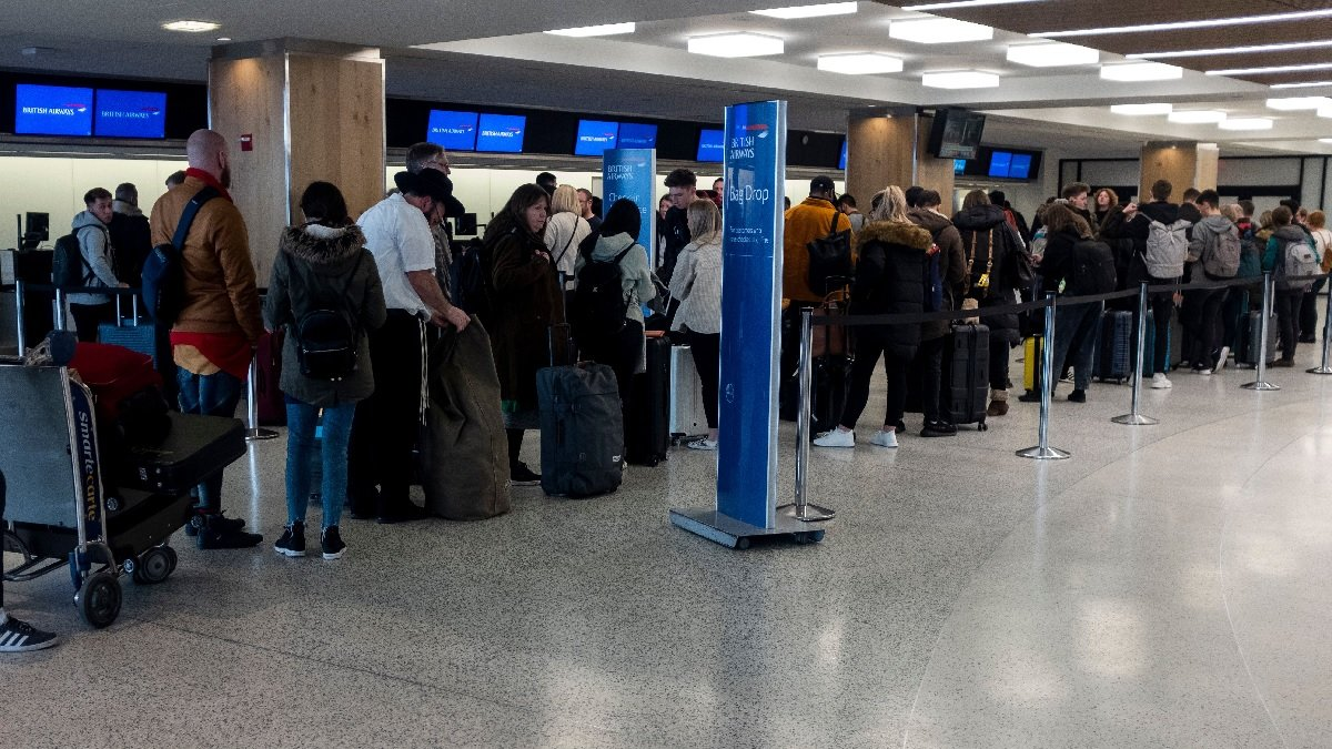 3月15日,美國紐約肯尼迪國際機場。(JOHANNES EISELE/AFP via Getty Images)