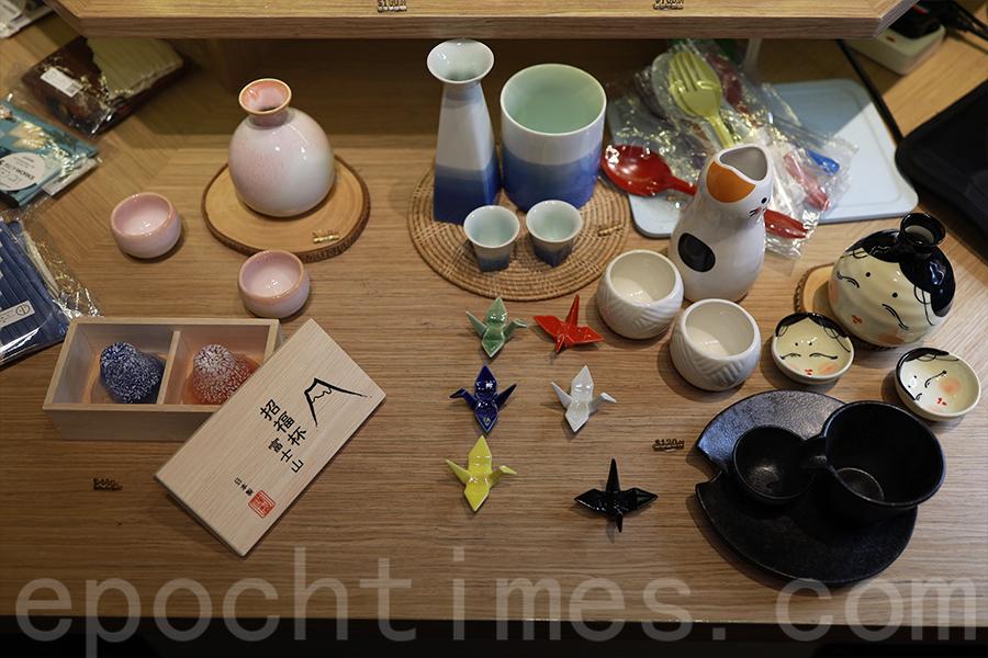 Abbie一向喜歡日本的富士山,經營小店中也有許多日式手作產品,突發奇想是否香港獅子山也能透過手作展現出來。